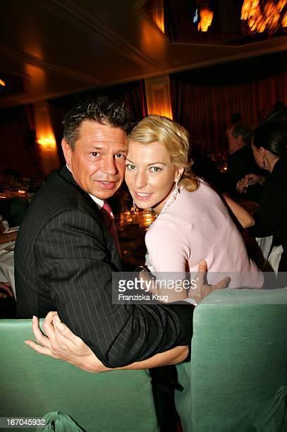 Giulia Siegel Und Ehemann Hans Wehrmann Bei Der Verleihung Des Felix Burda Award Von Der Felix Burda Stiftung Im Hotel Vier Jahreszeiten In München...