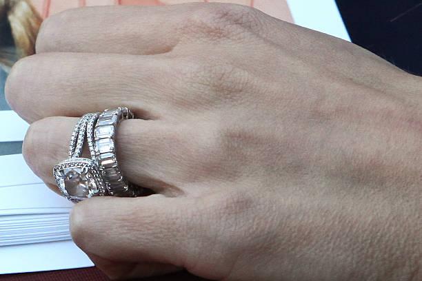 Giuliana Rancic Ring Detail At Santa Monica Place On December 28 2011 In
