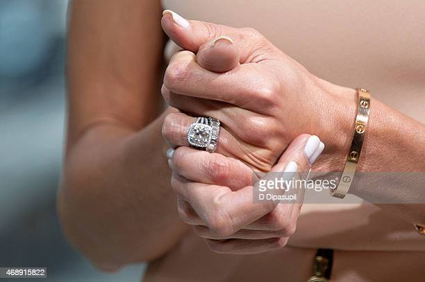 giuliana rancic ring detail visits extra at their new york studios at hm in - Giuliana Rancic Wedding Ring