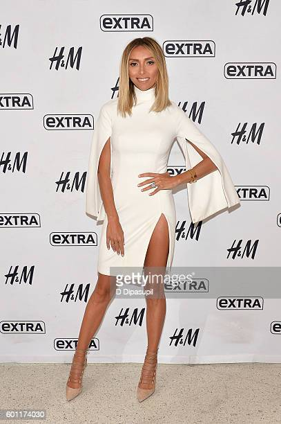 "Giuliana Rancic visits ""Extra"" at their New York studios at H&M in Times Square on September 9, 2016 in New York City."