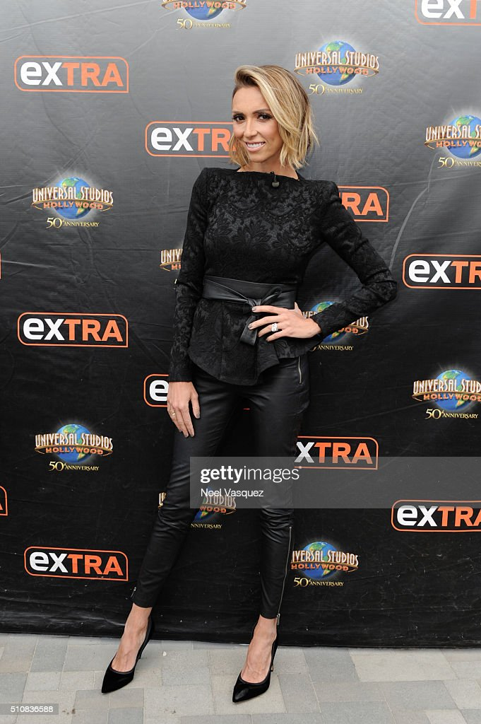 Giuliana Rancic visits 'Extra' at Universal Studios Hollywood on February 17, 2016 in Universal City, California.