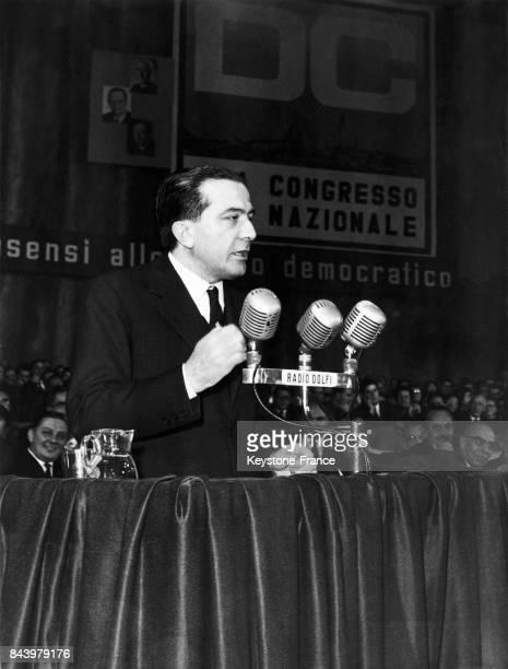 Giulio Andreotti lors du congrès national de la Démocratie chétienne à Rome Italie le 29 octobre 1959