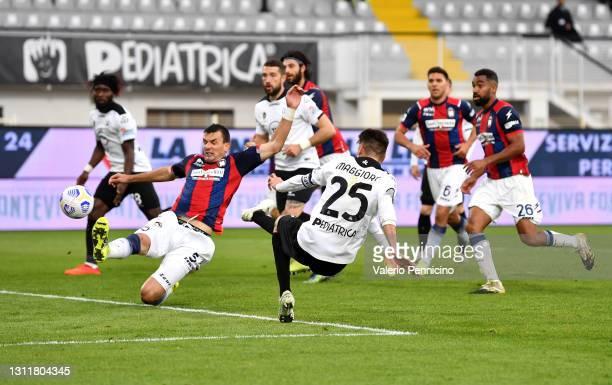 Giulio Maggiore of Spezia scores their team's second goal during the Serie A match between Spezia Calcio and FC Crotone at Stadio Alberto Picco on...