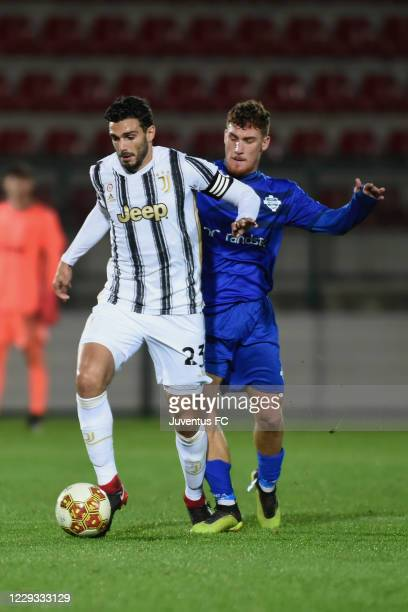 Giulio Parodi of Juventus U23 in action during the Serie C match between Juventus U23 and Como at Stadio Giuseppe Moccagatta on October 28, 2020 in...