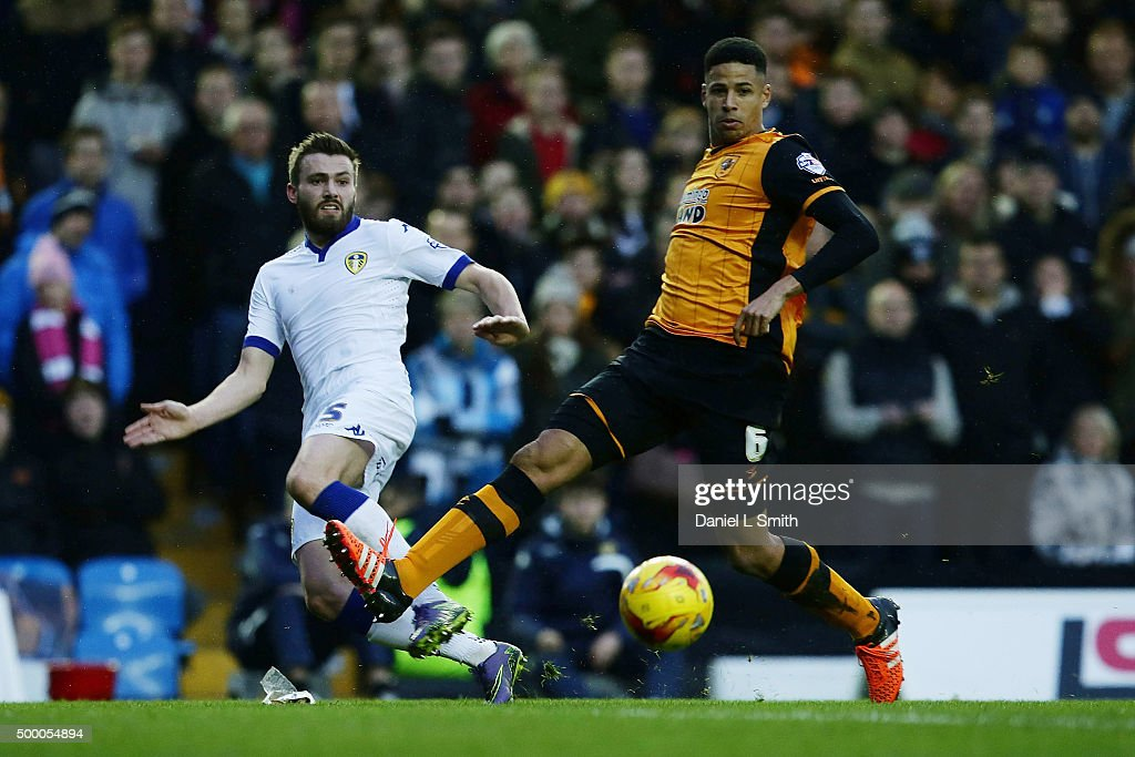 Giuseppe Bellusci of Leeds United FC passes the ball to Chris Wood of Leeds United FC (not pictured) during the Sky Bet Championship League match between Leeds United FC and Hull City FC on December 5, 2015 in Leeds, United Kingdom.