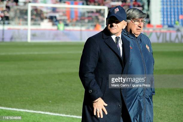 Giuseppe Iachini head coach of ACF Fiorentina looks on prior the beginning of the Serie A match between Bologna FC and ACF Fiorentina at Stadio...