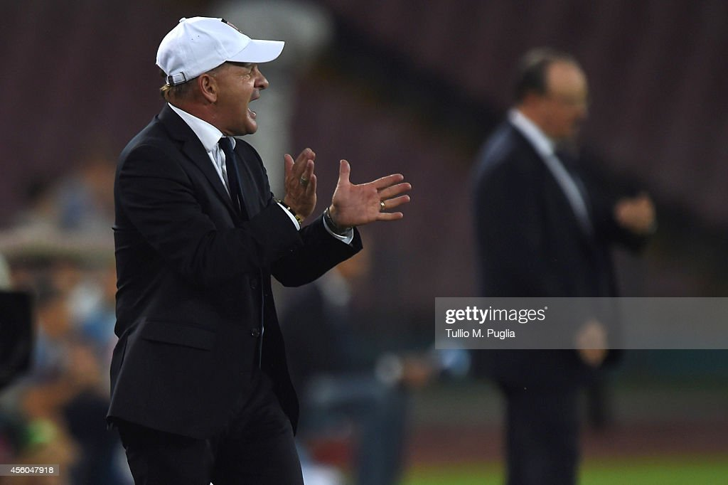 Giuseppe Iachini , Head coach of Palermo, shouts during the Serie A match between SSC Napoli and US Citta di Palermo at Stadio San Paolo on September 24, 2014 in Naples, Italy.