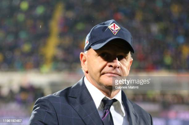 Giuseppe Iachini manager of AFC Fiorentina looks on during the Serie A match between ACF Fiorentina and Genoa CFC at Stadio Artemio Franchi on...