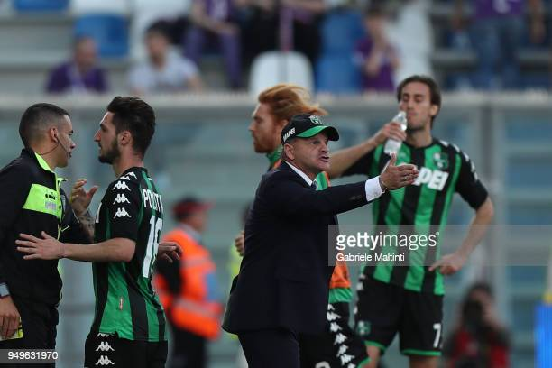 Giuseppe Iachini of US Sassuolo gestures during the serie A match between US Sassuolo and ACF Fiorentina at Mapei Stadium Citta' del Tricolore on...