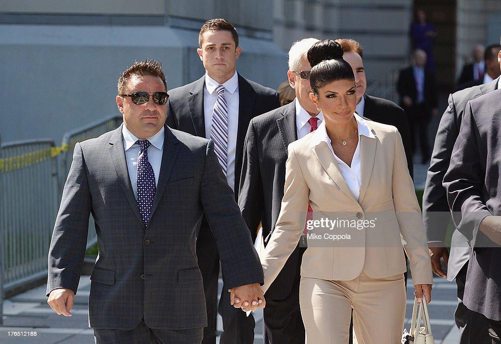 Teresa And Joe Giudice Court Appearance : Nieuwsfoto's