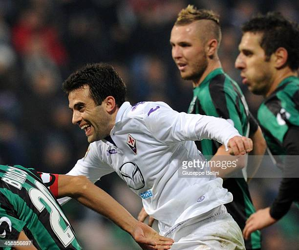 Giuseppe Rossi of Fiorentina celebrates after scoring the opening goal during the Serie A match between US Sassuolo Calcio and ACF Fiorentina on...