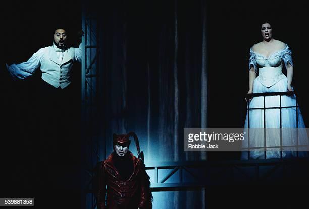 Giuseppe Sabbatini Jose Van Dam and Jennifer Larmore on stage in La Damnation de Faust