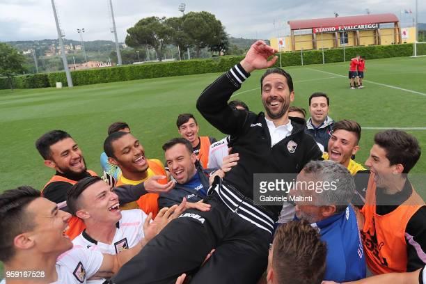Giuseppe Scurto manager of US Citta' di Palermo U19 celebrates the victory during the SuperCoppa primavera 2 match between Novara U19 and US Citta di...
