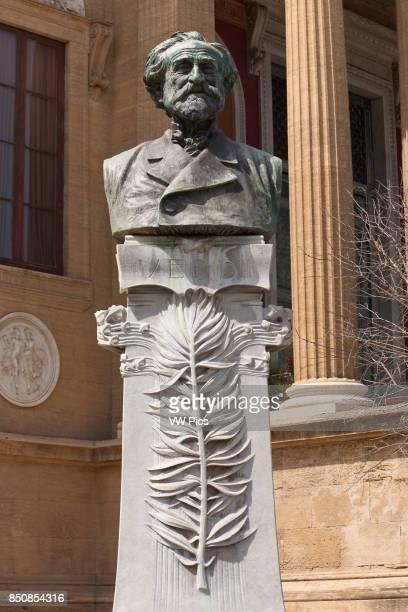 Giuseppe Verdi bust outside Palermo Opera House, Teatro Massimo, Piazza Giuseppe Verdi, Palermo, Sicily, Italy.
