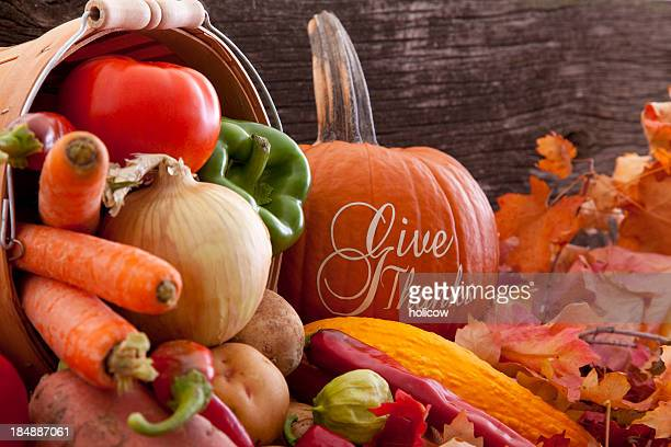 give thanks - thanksgiving theme with fresh produce - happy thanksgiving text stock pictures, royalty-free photos & images