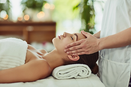 Give yourself the gift of relaxation 925256722