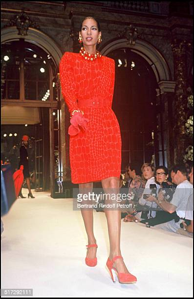 Givenchy Haute Couture fashion show collection fall winter 1992-1993.
