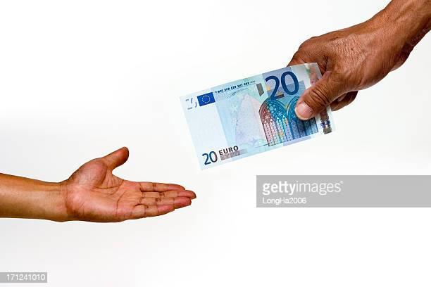 Giving 20 Euros