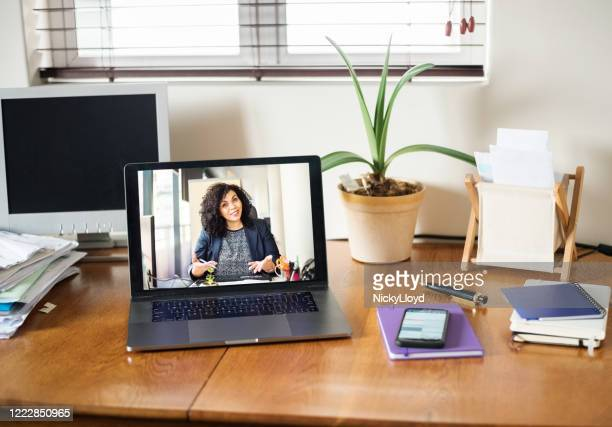 giving virtual advice - interview stock pictures, royalty-free photos & images