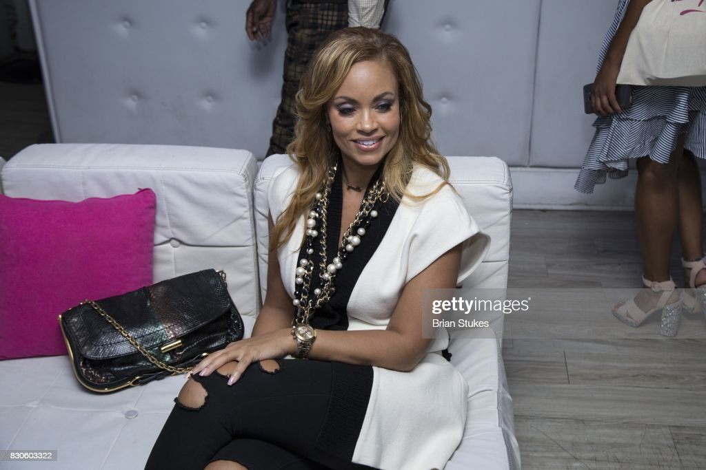 Gizelle Bryant attends 'Cupcakes With Sheree DC' Meet & Greet Affair and book signing for 'Wives, Fiancees and Side-Chicks of Hotlanta' at Stonefish Grill on August 11, 2017 in Washington, DC.