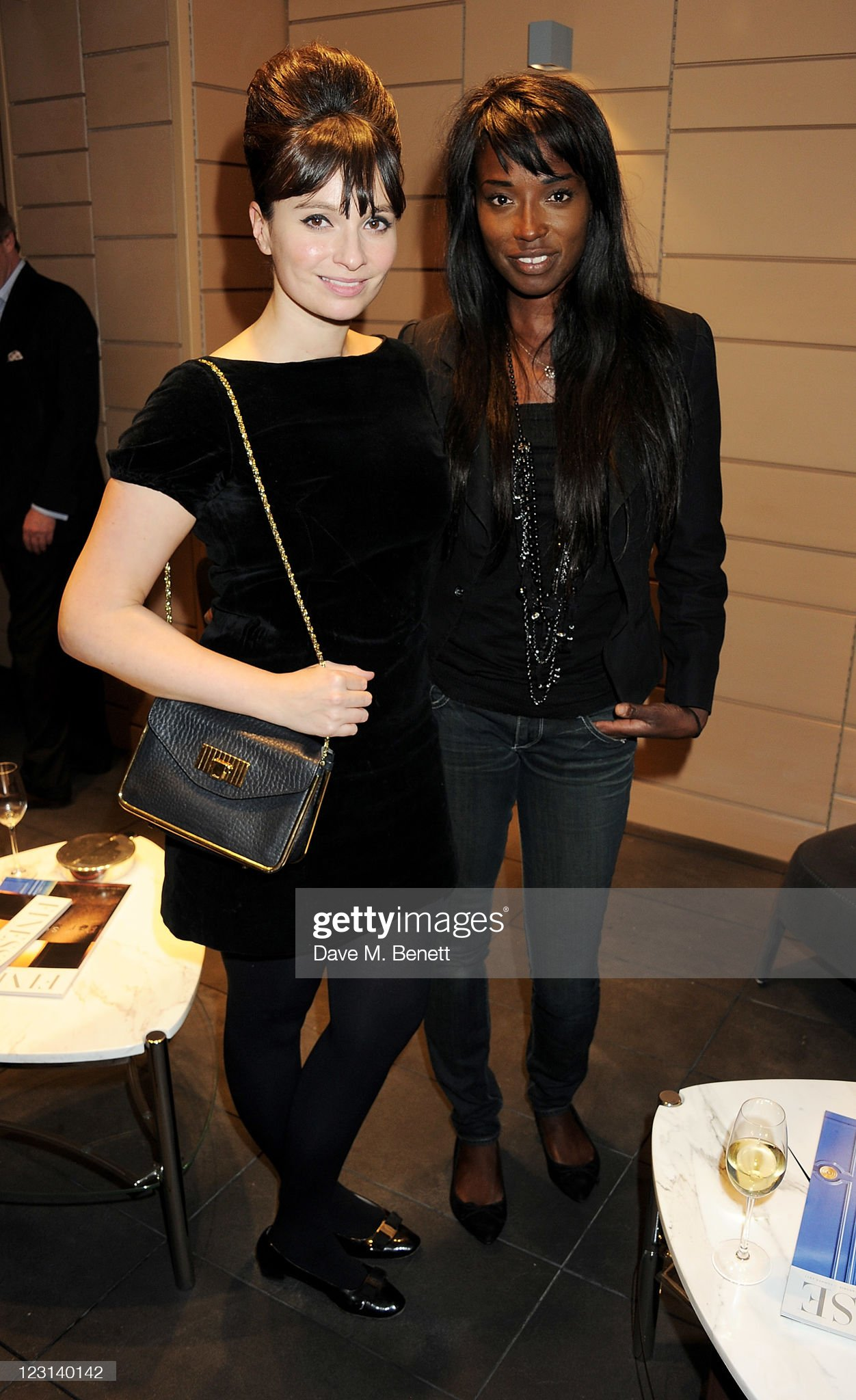 ¿Cuánto mide Lorraine Pascale? - Altura - Real height Gizzi-erskine-and-lorraine-pascale-attend-the-launch-of-the-french-picture-id123140142?s=2048x2048