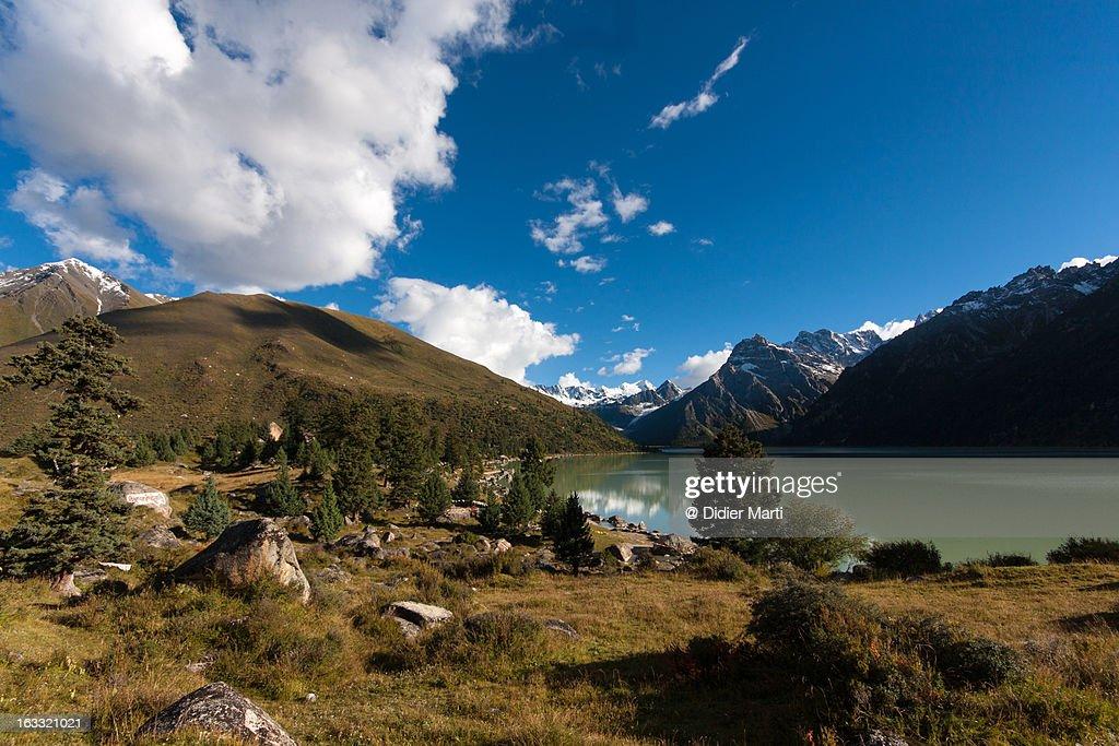 Glacier lake Yihun Lhatso : Stock Photo