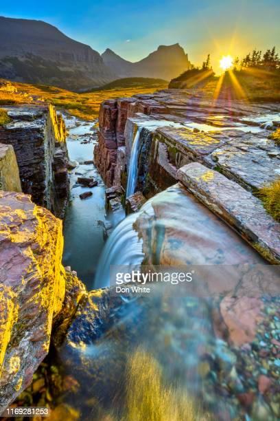 parque nacional da geleira em montana eua - parque nacional glacier - fotografias e filmes do acervo
