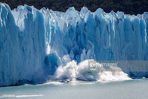 glacier perito moreno, patagonia - collapsing stock pictures, royalty-free photos & images