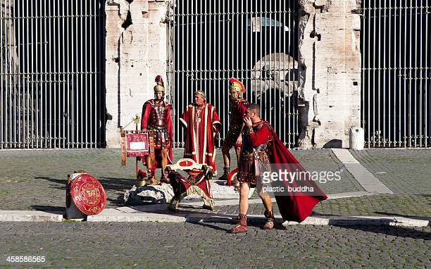gladiators im colleseum - gladiator stock-fotos und bilder