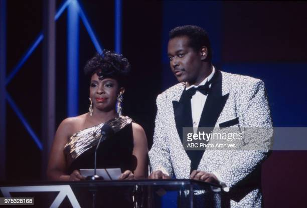 Gladys Knight Luther Vandross presenting on the 17th Annual American Music Awards Shrine Auditorium January 22 1990