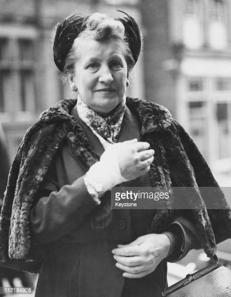 Gladys Yule arriving at the Old Bailey to give evidence in Ruth Ellis' murder trial Mrs Yule's hand was wounded during the fatal shooting of David...