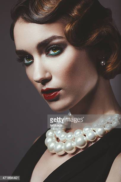 glam retro diva - pearl jewellery stock pictures, royalty-free photos & images