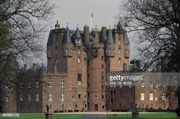 Glamis castle 15th16th century childhood home of Elizabeth BowesLyon wife of King George VI and mother of Queen Elizabeth II Angus Scotland United...