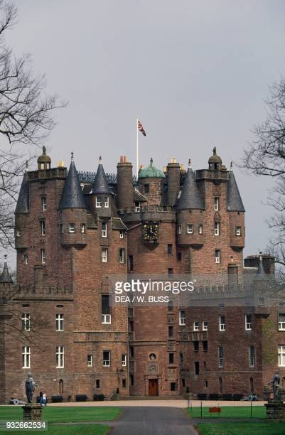 Glamis castle, 15th-16th century, childhood home of Elizabeth Bowes-Lyon , wife of King George VI and mother of Queen Elizabeth II, Angus, Scotland,...