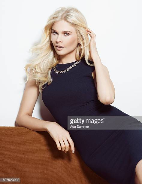 glamorous blonde in cocktail dress - cocktail dress stock pictures, royalty-free photos & images