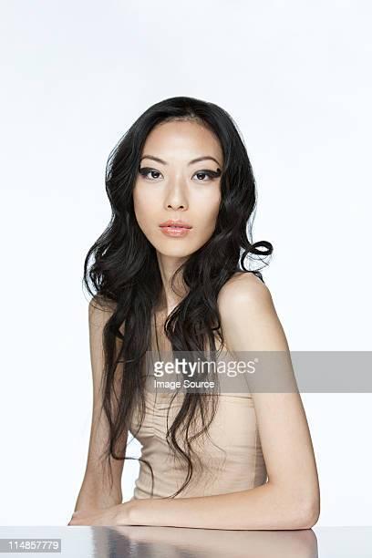 glamorous young woman - ストラップレス ストックフォトと画像