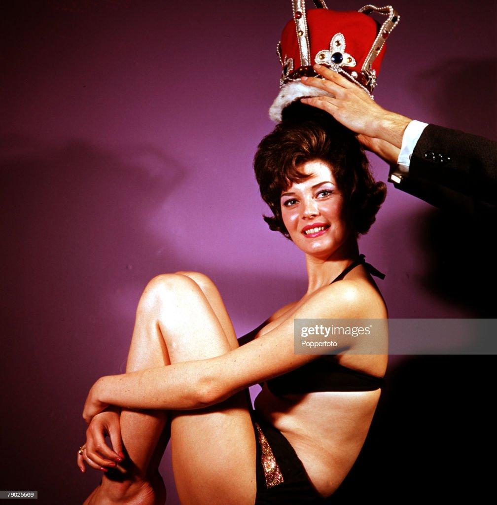 Mitsou Gelinas,Patsy Rowlands (1931?005) Sex nude Joan Smalls PUR 6 2011?016,Joan Blackham