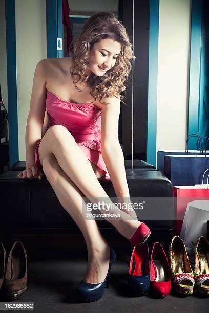glamour-shopping - pumps stock-fotos und bilder