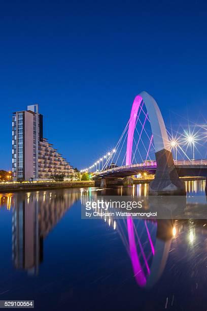 glasgow landmark - the clyde arc. - glasgow scotland stock pictures, royalty-free photos & images