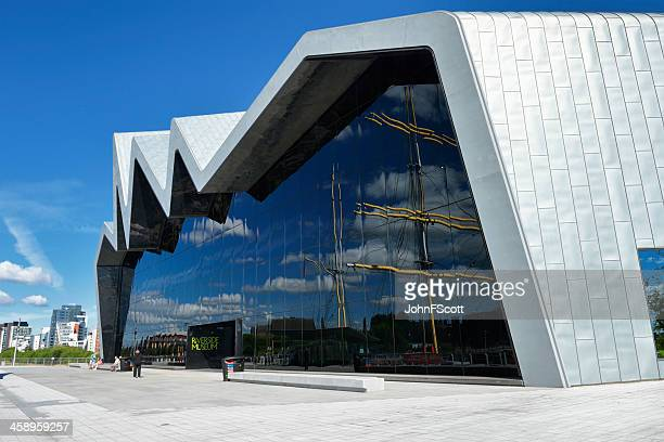 glasgow riverside transport museum on a bright sunny day - glasgow scotland stock pictures, royalty-free photos & images