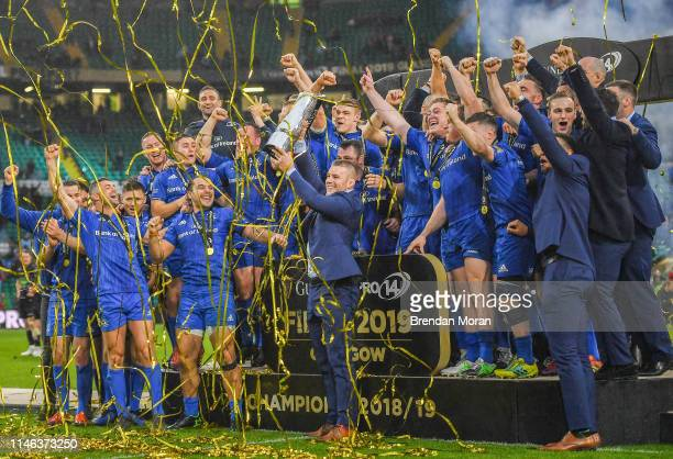Glasgow United Kingdom 25 May 2019 Seán O'Brien of Leinster celebrates with his teammates and the trophy after the Guinness PRO14 Final match between...