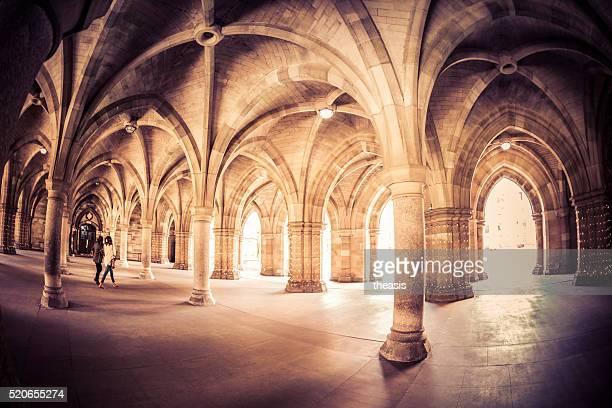 glasgow university cloisters - theasis stock-fotos und bilder
