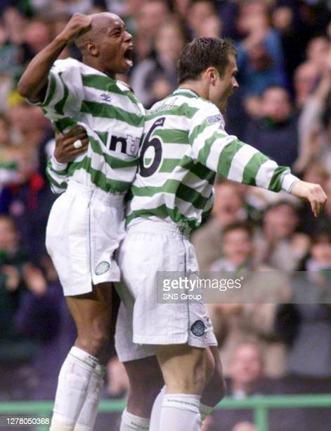 Mark Viduka celebrates his hat-trick with Celtic team-mate Ian Wright