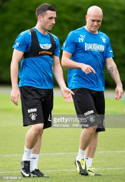 Rangers duo Nicky Clark and Nicky Law chat during training