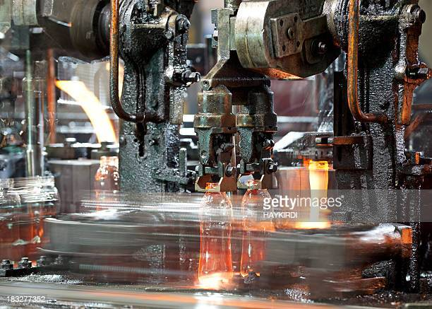 Bottiglia di vetro di produzione.