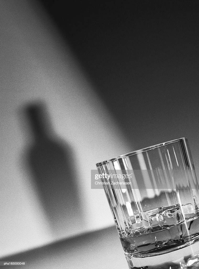 Glass, close-up, b&w : Stockfoto