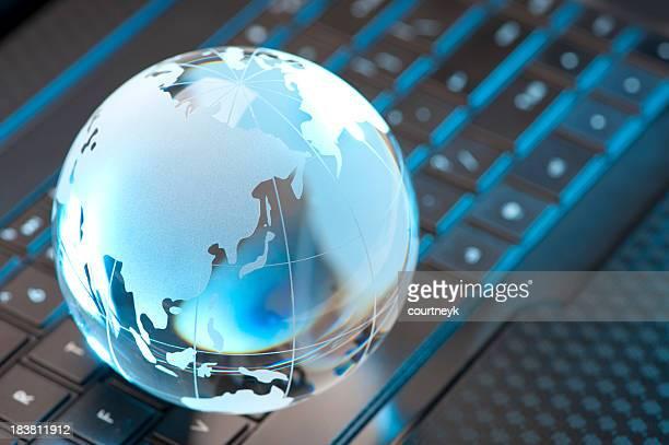 ガラスグローブ、コンピュータキーボード