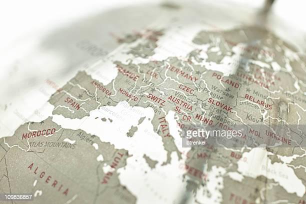 verre globe-europe - carte france photos et images de collection
