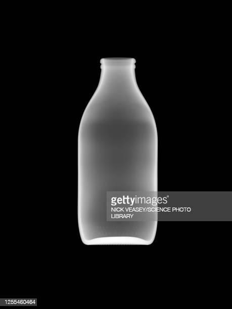 glass milk bottle, x-ray - 牛乳ビン ストックフォトと画像