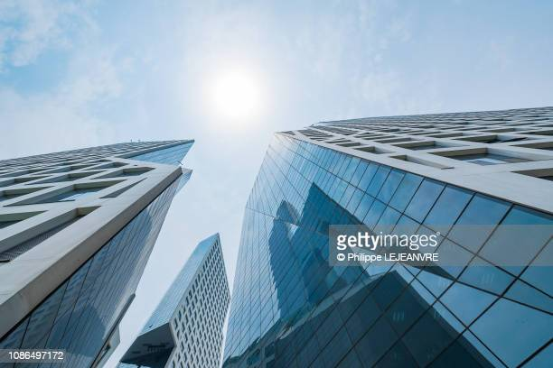 vanishing point sun on glass building stock photos and pictures